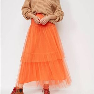 Anthropologie skirt NWT Evelyn Tulle Midi Skirt S